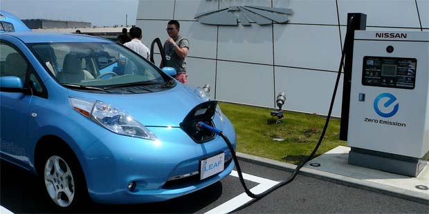 endesa and nissan to develop quick charging network. Black Bedroom Furniture Sets. Home Design Ideas