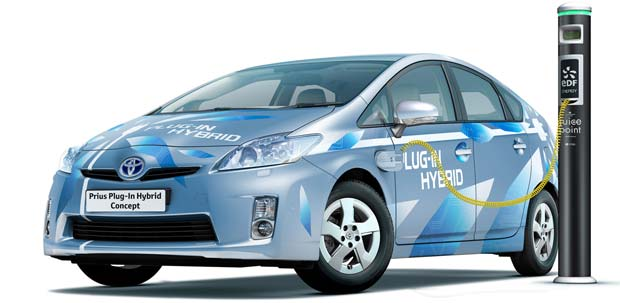 Toyota to Launch Home Electric Car Chargers in 2012