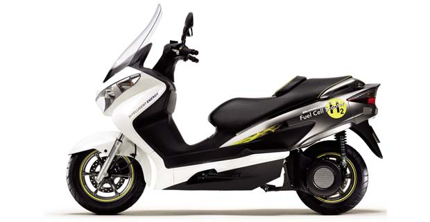 Burgman Fuel Cell Scooter 2 Suzuki Burgman Fuel Cell Scooter Obtains WVTA Approval