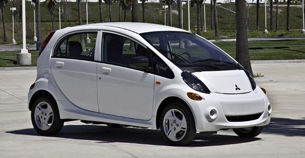 Hawaiians Selected To Drive First Mitsubishi I Electric Cars