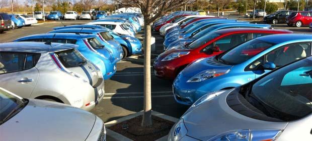 Nissan LEAF elbiler Rapport: Høje priser vil begrænse salget af elbiler i 2012