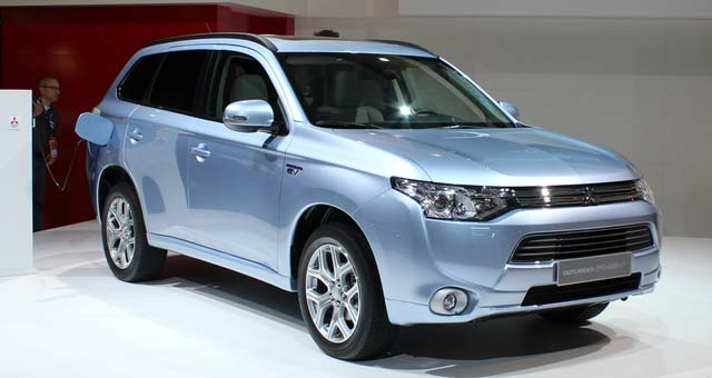 Mitsubishi Outlander Phev Goes On Sale In Japan
