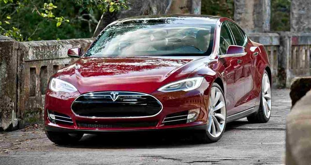 Tesla Compares Driving Range of Model S Variants