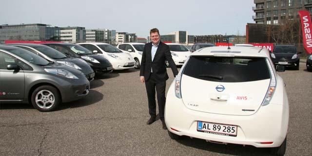 nissan sells 400 leaf evs to avis electric cars report. Black Bedroom Furniture Sets. Home Design Ideas
