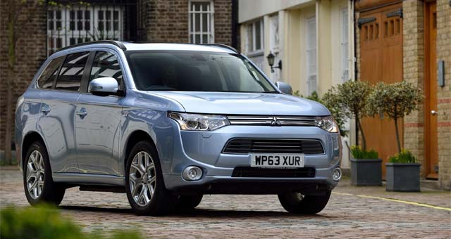 Mitsubishi Launches Outlander PHEV in Russia