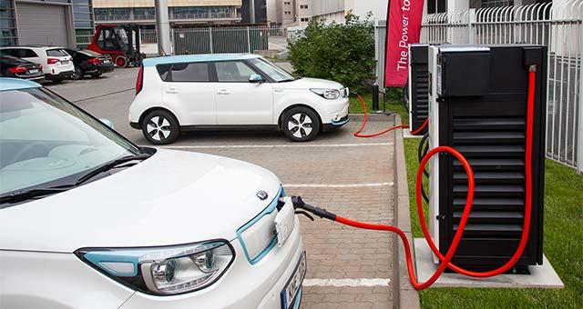 Kia-Soul-EV-Charging
