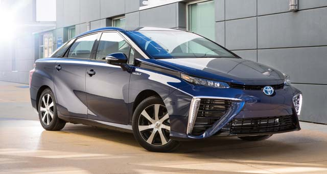 Toyota Names its Fuel Cell Vehicle the 'Mirai'