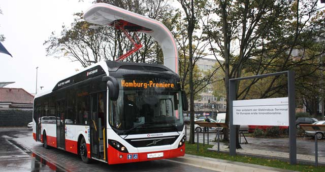 volvo 7900 electric hybrid bus enters commercial service in hamburg video. Black Bedroom Furniture Sets. Home Design Ideas