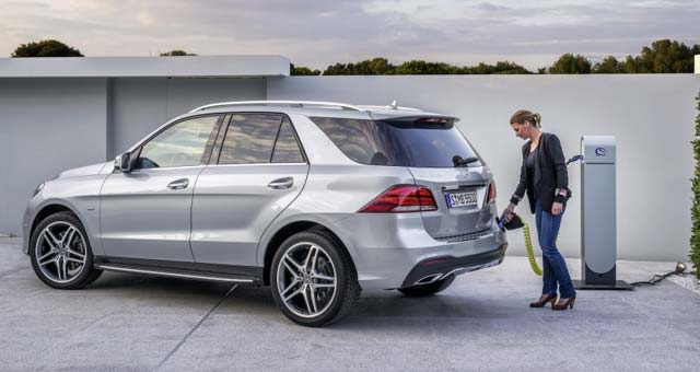 For The First Time In Its Suv History Mercedes Benz Offers A Plug Hybrid Model 2016 Gle550e 4matic Which Combines Maximum Efficiency With