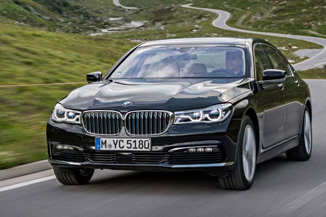 The 2017 Bmw 740e Xdrive Iperformance Will Arrive At U S Dealerships In August Starting 89 100 Plus 995 Destination And Handling