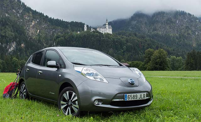 nissan leaf goes the distance in a wild drive across europe w video e hike. Black Bedroom Furniture Sets. Home Design Ideas