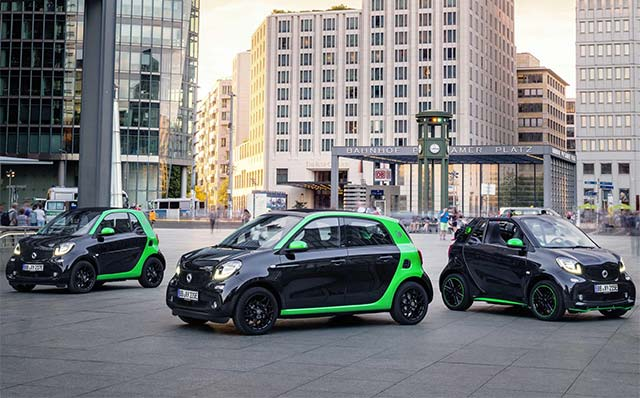 Daimler S Smart Brand Will Be The Only Car Manufacturer Worldwide Curly To Offer Its Full Model Range With Both Combustion Engines And All Electric