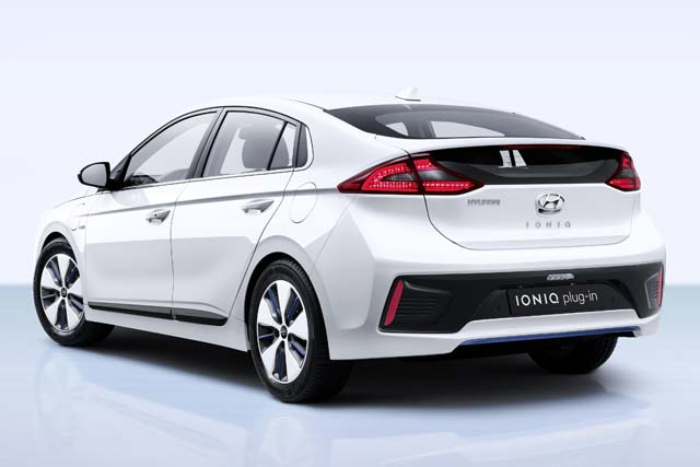 hyundai ioniq plug in revealed at geneva motor show. Black Bedroom Furniture Sets. Home Design Ideas