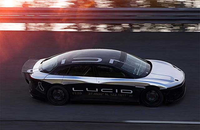 video lucid air prototype hits 217 mph in high speed