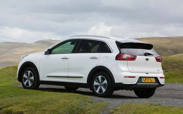 Kia Niro Plug-in Hybrid Priced From £27,995 in the UK | E-Hike