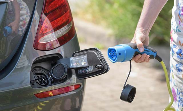 an-influx-of-plug-in-electric-vehicles-pevs-charging-without-coordination-could-prove-challenging-to-the-nation-s-electric-grid-according-to-research