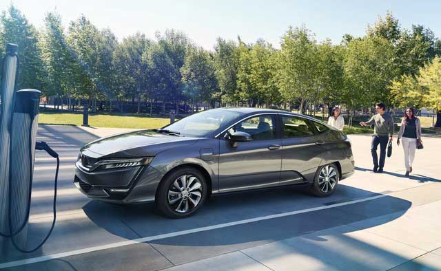 2018 honda clarity electric hits dealerships with 199 per month lease deal. Black Bedroom Furniture Sets. Home Design Ideas