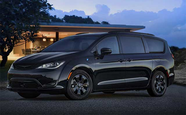 Fca Is Recalling Over 10 000 Chrysler Pacifica Hybrid Minivans Due To A Risk Of Stalling Or Fires According Recall Doents From Nhtsa It S Estimated