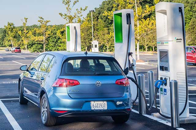 First Electric Vehicles In New Car-Sharing Program To Roll