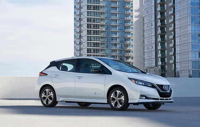 Nissan Leaf Earns Kelley Blue Book 5 Year Cost To Own Awards At Chicago Auto Show